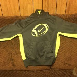 Boys Nike football hoodie !! therma fit boys small